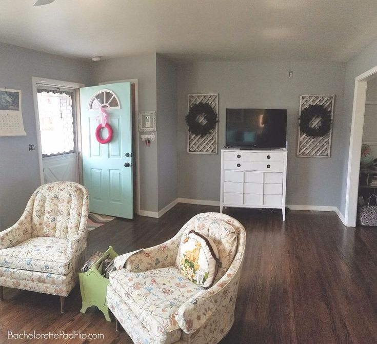 Updating & Decorating a Midcentury Living Room On a Budget!
