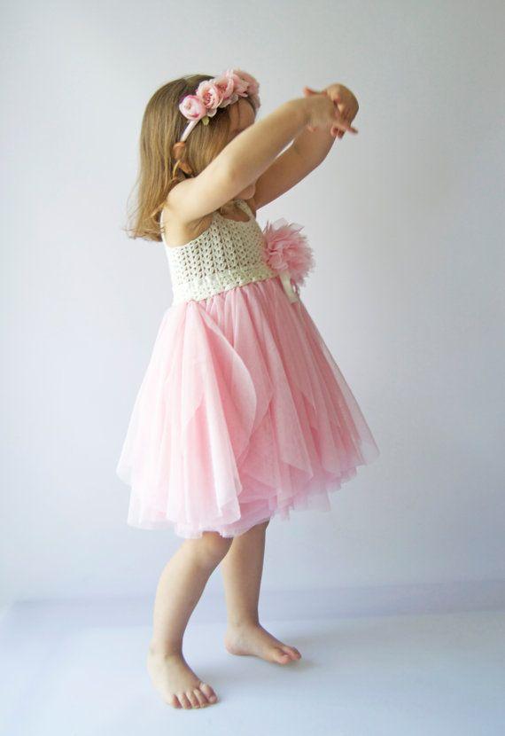 VERKOOP. Klaar om te verzenden. Grootte 3 Years.Ivory en roze Tule jurk met kanten Empire taille en Stretch haak Top.Tulle dresswith haak bodice.
