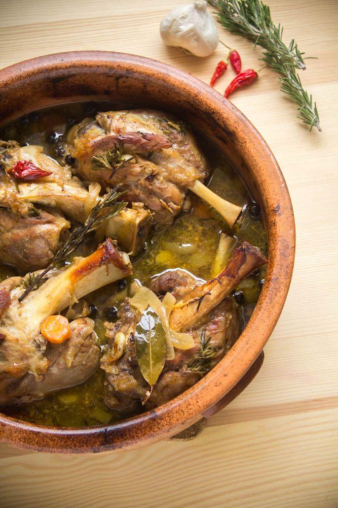 my blissfood: Boys can cook vol. 3 - Το χοιρινό κότσι στη γάστρα και ο πουρές γλυκοπατάτας του Γιώργου