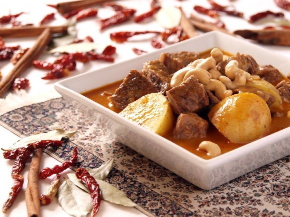 Spicy Massaman Beef Curry with Potatoes and Cashews