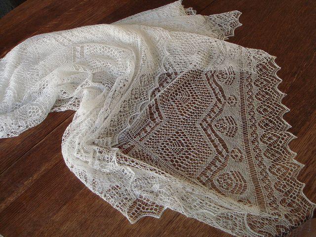 Knitting Patterns For Bridal Shawls : 30 Best images about Knitting-Heirloom, Shetland, Orenburg on Pinterest Tra...