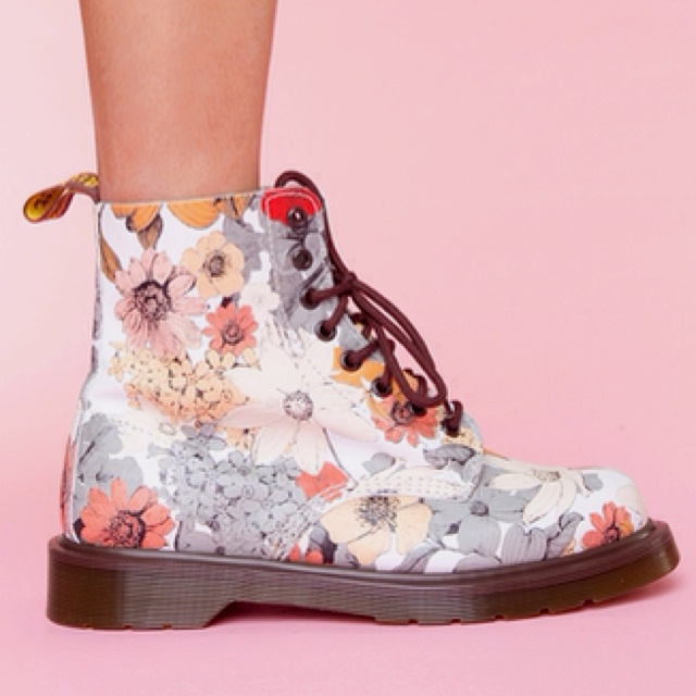 I LOVE Dr. Martens (these ones are super cute), but they didn't fit me when I tried them on in the shop because I have weird feet :(((