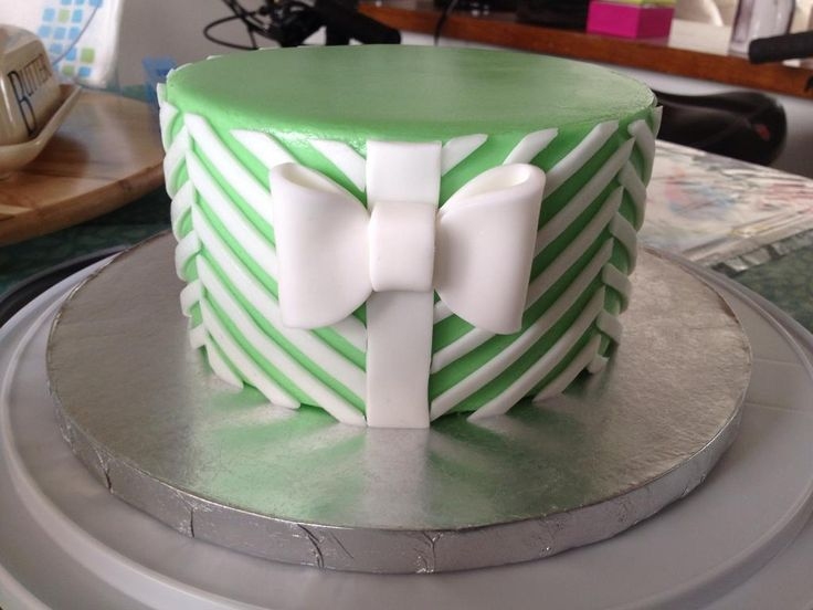 17 Best ideas about Simple Cake Designs on Pinterest ...