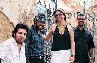 """Os Cubanistas se apresentam no dia 14, a partir das 21h, no Galpão de Eventos do Sesc Ribeirão Preto. A banda apresenta um repertório de Mambos, Rumbas, Chá Chá Chás, Salsas, Guarachas, Merengues, Boleros, entre outros estilos. O repertório, baseado em compositores consagrados como Perez Prado, Compay Segundo e intérpretes como Célia Cruz, Glória Estefan,...<br /><a class=""""more-link"""" href=""""https://catracalivre.com.br/geral/agenda/barato/os-cubanistas-em-ribeirao-preto/"""">Continue lendo »</a>"""