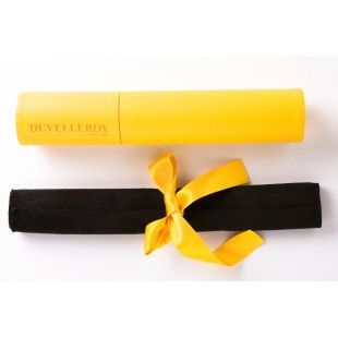 Duvelleroy's signature yellow tube and yellow ribbon to protect your fans #yellowbox #specialgift