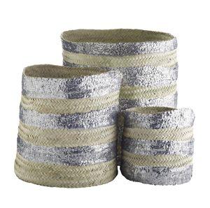 Set de 3 paniers en feuille de palmier et sequins argent signé Tine K Home, peut être utiliser pour ranger du linge,des jouets,les accessoires de salle de bain, ou même du petits bois pour la cheminée