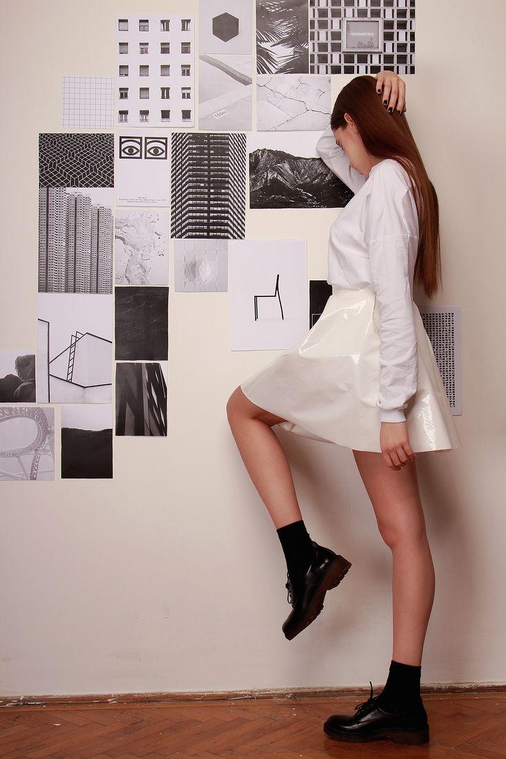 White leatherette skirt: FANNY NAGY Photo: Erős Petra Photography Models: Horváth Mirtha, Vida Eszter MUA: Glo Makeup Hair: Ji Yicheng fodrász Styling: Nora Aradi Assistant: Koroknai Imre