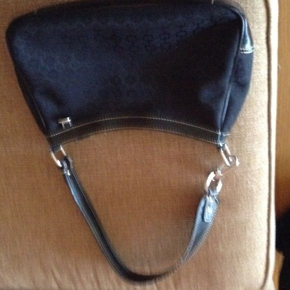 """Black Nine West Purse Inside zipper with two pockets., in great condition. 7"""" high and 12"""" wide Nine West Bags Shoulder Bags"""