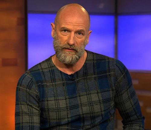 (video) - Yahoo TV, 7 May 2015 : Graham McTavish Proves Everything Sounds Sexier in a Scottish Accent