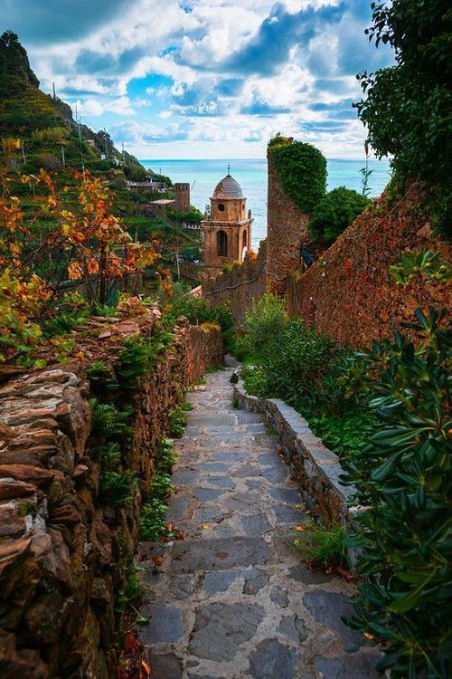 Can't believe I will be in this beautiful place in a week! Lovely stone path in Cinque Terre, Italy
