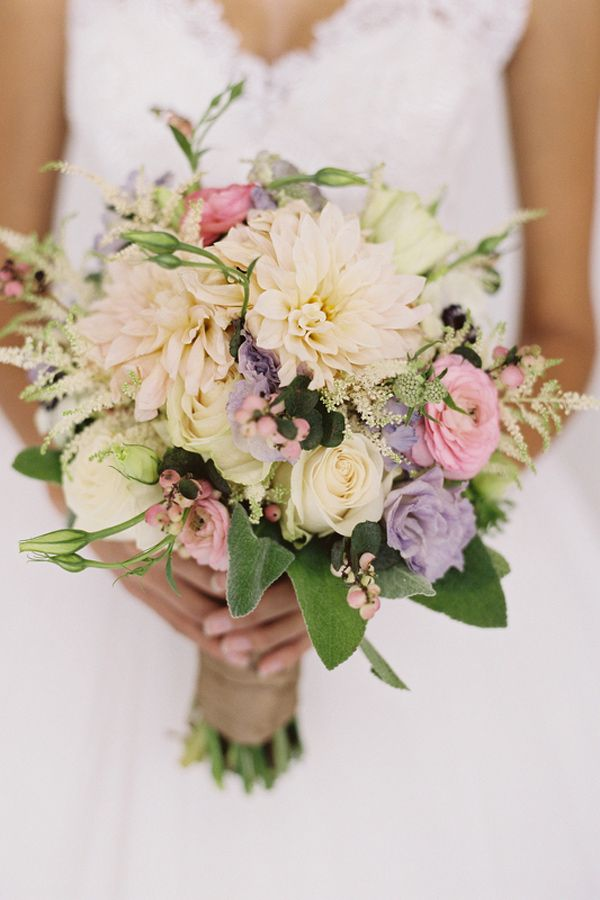 Ruffled Picture 89800 Page 2 Spring Wedding Flower Trends