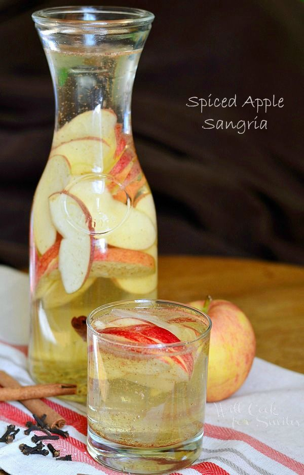 Spiced Apple Sangria. Wonderful fall cocktail that is perfect to serve at holiday gatherings. | from willcookforsmiles.com #drink #cocktail