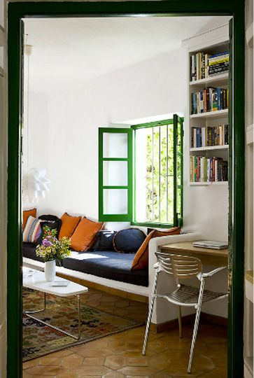Living Room Frames : 17 Best images about Painting ideas - Painted window trim ...
