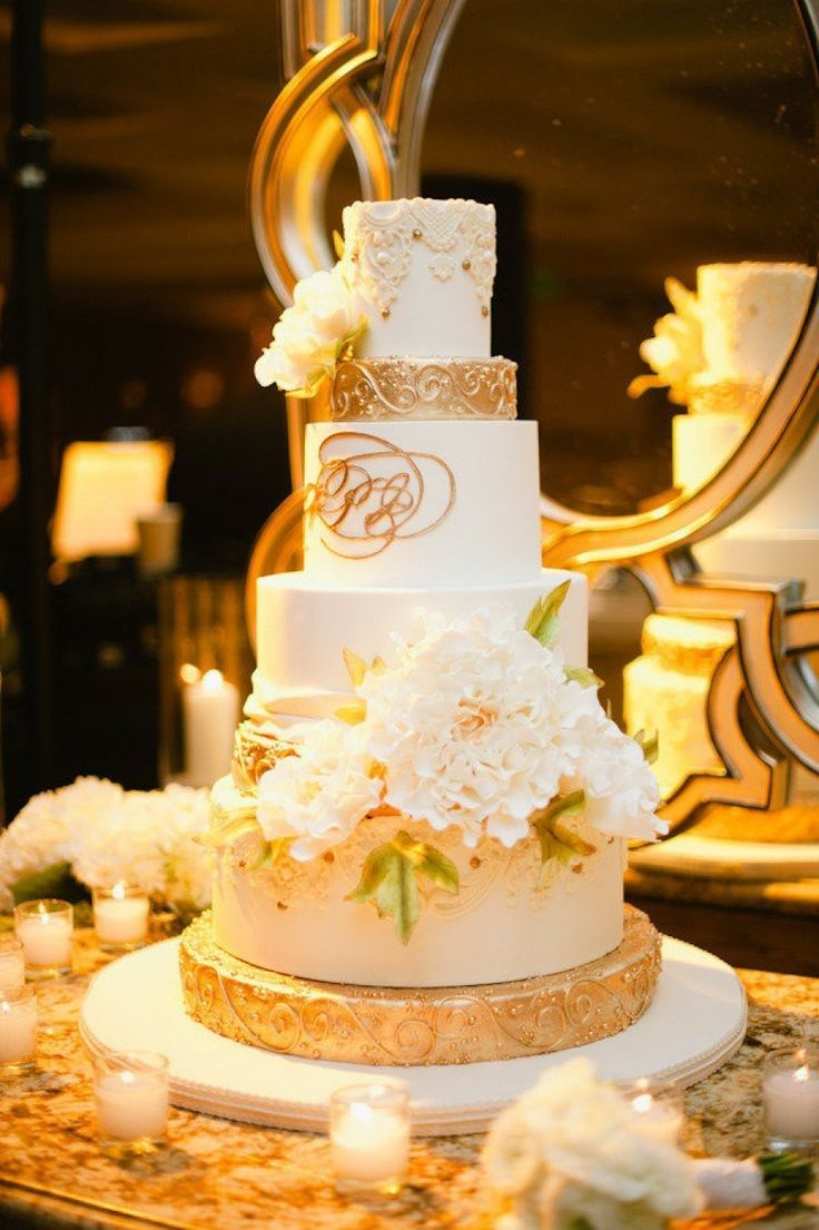 wedding cakes in lagunbeach ca%0A Laguna Beach Wedding from Hazelnut Photography   LVL Weddings  u     Events