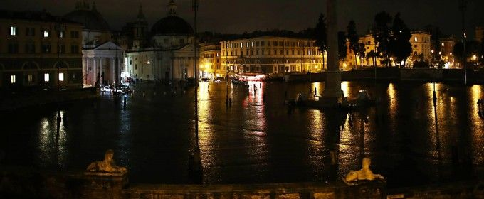 Piazza del Popolo has been without night-time illumination for six straight days due to damage caused by intense and long-lasting rain. 6 February 2014.