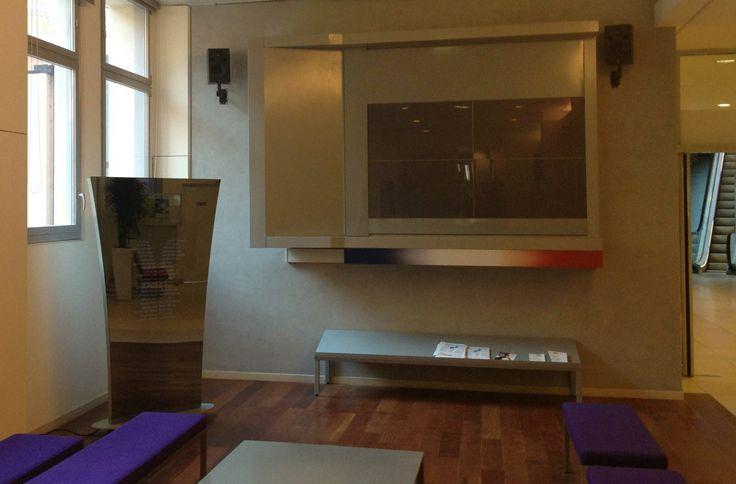 Stèle vidéo au Ministère des Affaires Sociales. Par Dalcans.