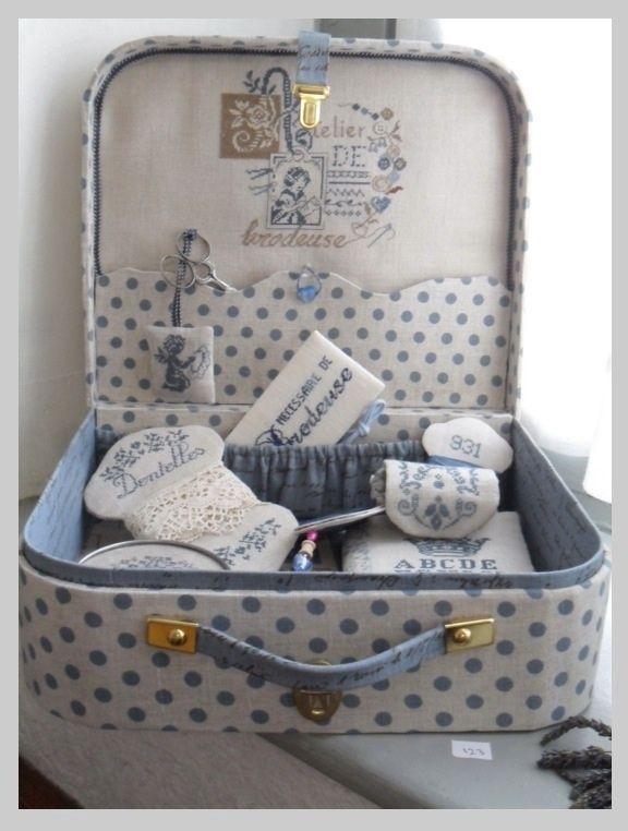 Monta tu maleta de cartón | Aprender manualidades es facilisimo.com