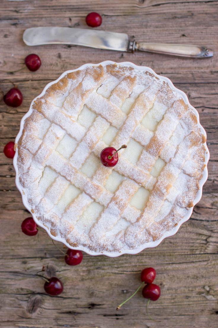 Crostata con ricotta e confettura di ciliegie http://www.labottegadelledolcitradizioni.it/2015/09/crostata-con-ricotta-e-confettura-di-ciliegie.html
