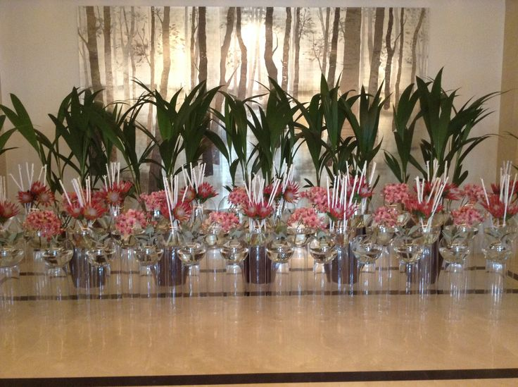 Tropical flowers installation