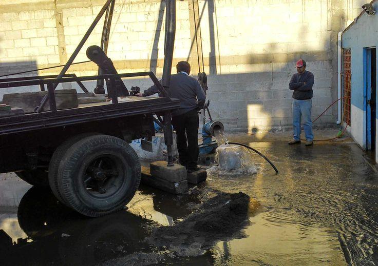 """#TLAXCALA Recibe mantenimiento pozo """"El Potrero en Ocotlán tras 10 años de abandono    La Presidencia de Ocotlán a través de la Dirección de Agua Potable y Alcantarillado de la comunidad, concluyó los trabajos de rehabilitación del pozo """"El Potrero"""", los cuales se desarrollaron del 6 al 19 del mies de enero."""