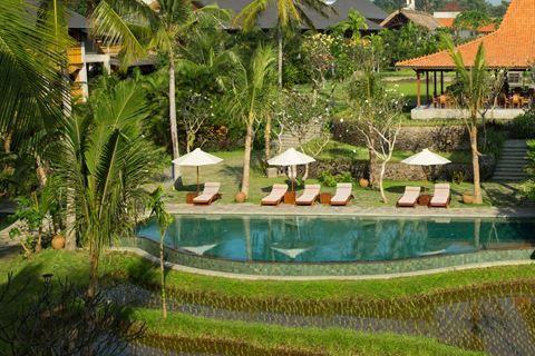 Combinatiereis Ubud&Sanur 4  Description: Combinatiereis Ubud & Sanur 4 Bezoek parelwitte zandstranden de nachtmarkt van Sanur met fantastische verse Balinese maaltijden en de indrukwekkende rijstterrassen in Ubud. Dit is dé perfecte combinatie om het paradijselijke Bali te ontdekken! Dag 2 ? 5: Verblijf in Alaya in Ubud Nadat u de eerste nacht in het vliegtuig heeft doorgebracht en op uw tweede vakantiedag op Bali bent geland reist u per transfer naar Ubud om hier met uw vakantie te…