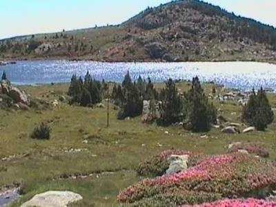 Le lacs de Carlit Guide du tourisme des Pyrenees-Orientales Languedoc-Roussillon