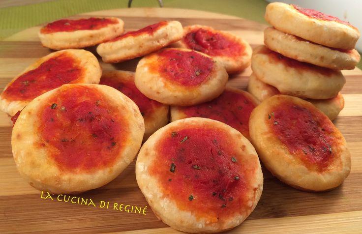 #Pizzette velocissime!!! solo 2 ingredienti# La cucina di Reginé.