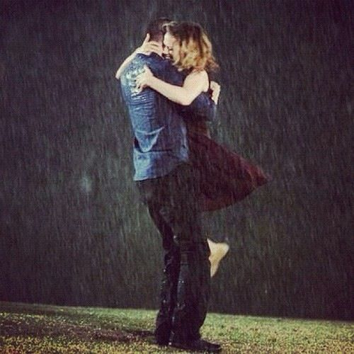 """You wanna take a walk"" ""Nathan, it's raining"" ""Exactly""  Love naleys rain scenes!"