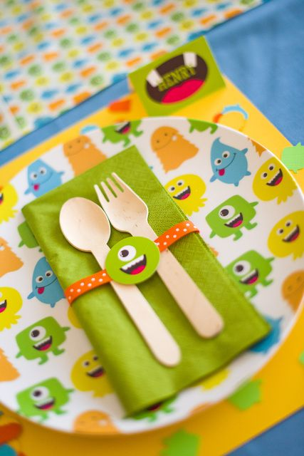 Place Settings at a Friendly Monster Party #monster #party