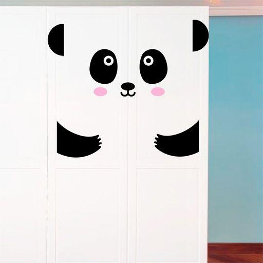 Tierno y delicado oso panda de vinilo. Un vinilo ideal para decorar armarios, puertas, frigoríficos, paredes, etc.