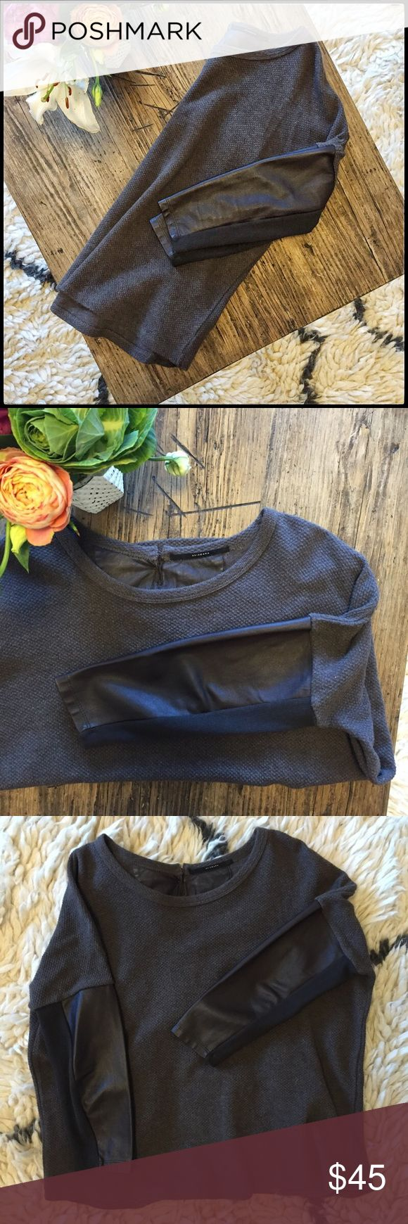 Brown waffle knit leather sleeves sweater. Gorgeous. Soft. flattering. Scoop neck. Faux leather raglan sleeves. Soft waffle knit. Ribbed  panel inside sleeve for soft and comfortable mobility. akiabara Sweaters Crew & Scoop Necks
