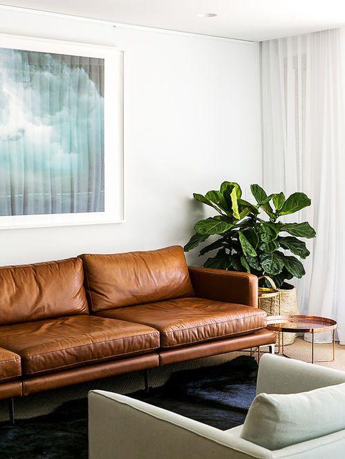 Sofá de Couro Moderno. Designer: C+M Studio. Fotógrafo: Caroline McCredie.