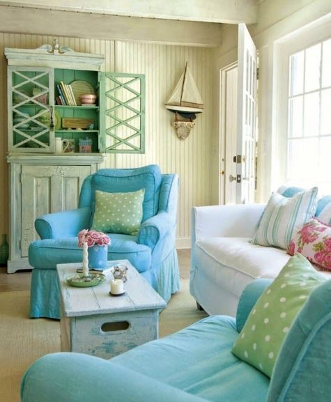 Small Coastal Beach Theme Living Room Ideas with Great Style