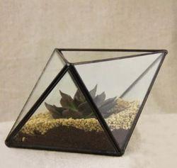 Goedkope , koop rechtstreeks van Chinese leveranciers: kleine ruit tafelblad glazen kas soldeer bloem planter huisGrootte: 17* 12* 9.5cm( 6.7*4.7*3.7inch) dit is met de hand gemaakte producten, misschien een beetje verschillende grootte.Materiaal: messing