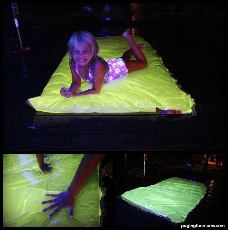 GLOWING Water Blob - Perfect for a Summer's Night Party! SO much sensory FUN!! Full tutorial on site including the safe non-toxic glow mixture!