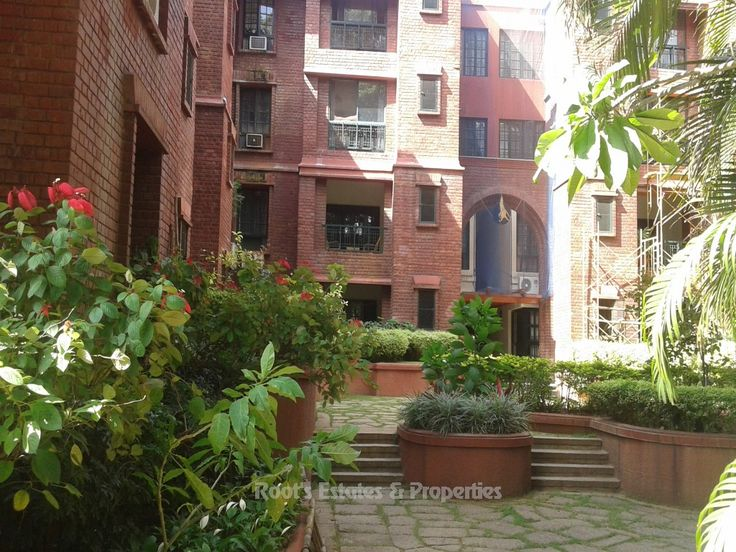 The Prestige Elgin Semi Furnished 2 BHK Flat For Rent on Ground Floor with Lawn & Garden area. Expected Sale Price@ Rs.11, 000/- sft. Call us @ 98443-35346 / 99720-35346