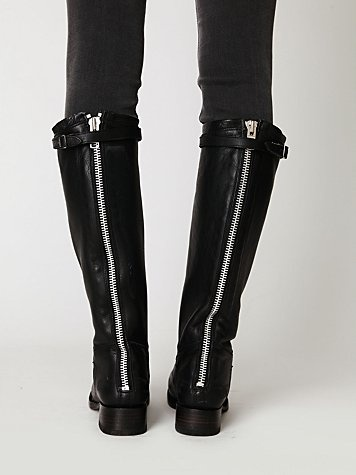 Destroyer Tall Boot from @Free People - had seen the tan versions of these pinned and fallen in love. Such a nice boot!