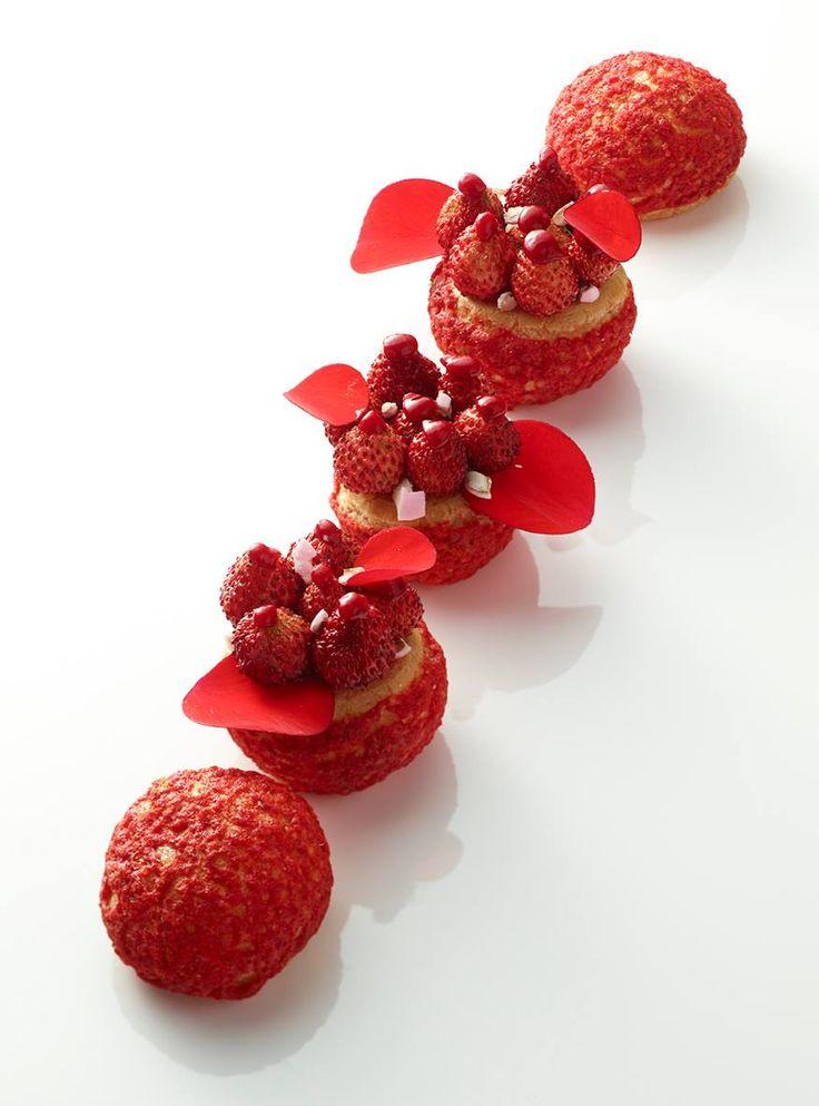 Choux fraises - Christophe Michalak #plating #presentation
