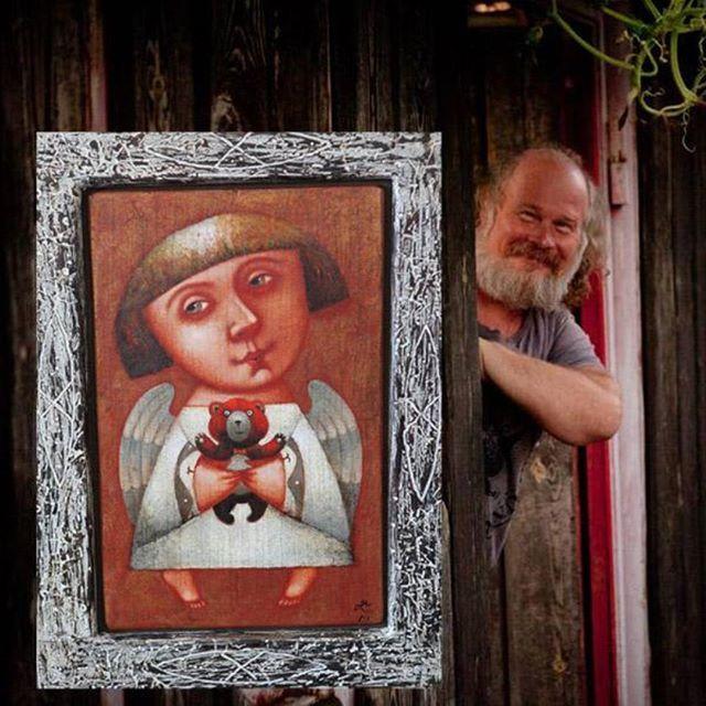 Павел Николаев, ангел и игрушечный мишка. http://stapico.ru/photos/1113793122570152968_1546946098