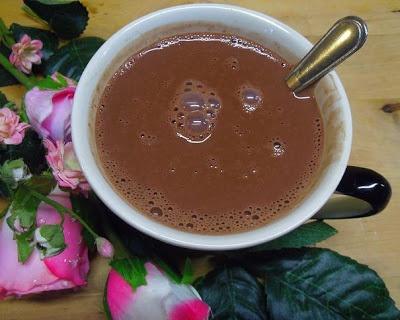 Je eigen light chocolademelk-mix maken. Het recept vind je op: http://heerlijke-recepten.blogspot.nl/  Echte chocolademelk waarvan je weet wat er in zit!   ...Lekker genieten :-)