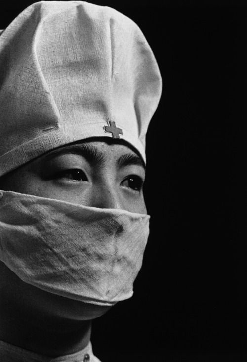 "shihlun: ""土門拳「若い看護婦 日本赤十字病院 東京麻布」1938 "" ""Young nurse at Nippon Red Cross Hospital"" Tokyo, Japan. Photography by Ken Domon."