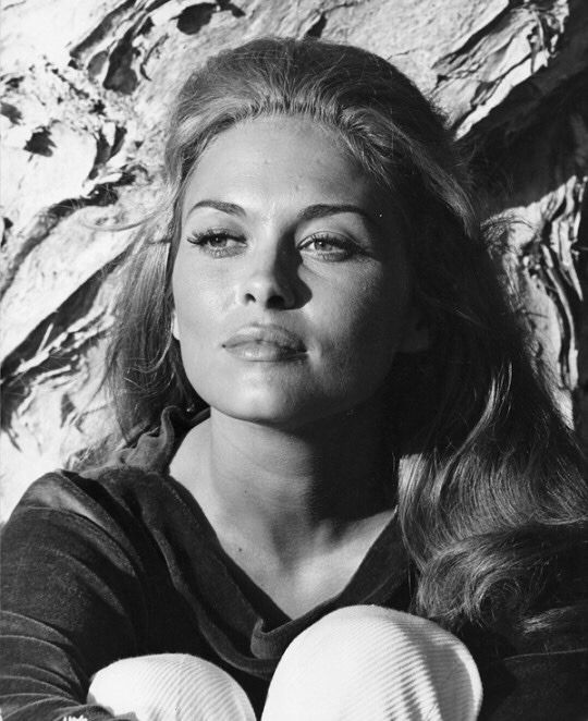 The Magic of The Old — Faye Dunaway