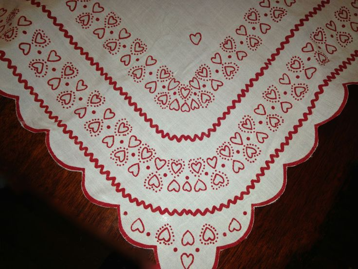 Lightweight Linen Tablecloth Has Red Flocked Heart Design With Scalloped  Trim. Perfect For Valentineu0027s Day! Measures 41 X 41u201d H. | Pinterest | Rick  Rack And ...