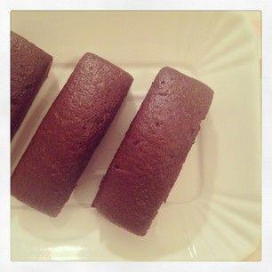 http://www.naked-kitchen.it/tortine-al-cioccolato-senza-uova/ Chocolate and Cardamom mini cakes #chocolate #cardamom #eggless
