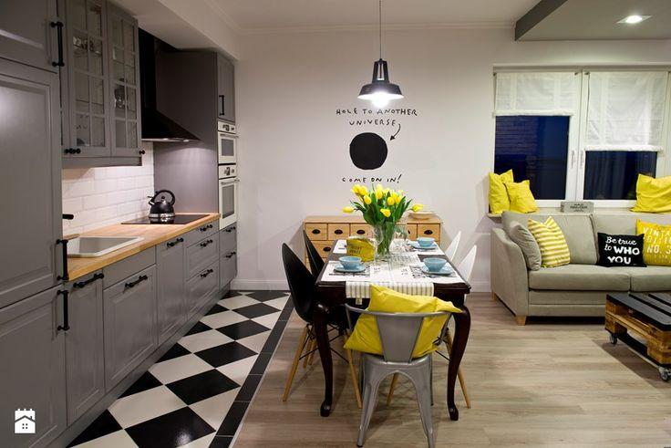 HOLE to another Universe - Mała otwarta kuchnia jednorzędowa w aneksie, styl eklektyczny - zdjęcie od SHOKO.design