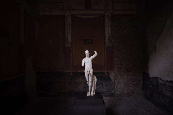 La statua di Priapo nell'atrio della Casa dei Vettii | © @omegazzo81