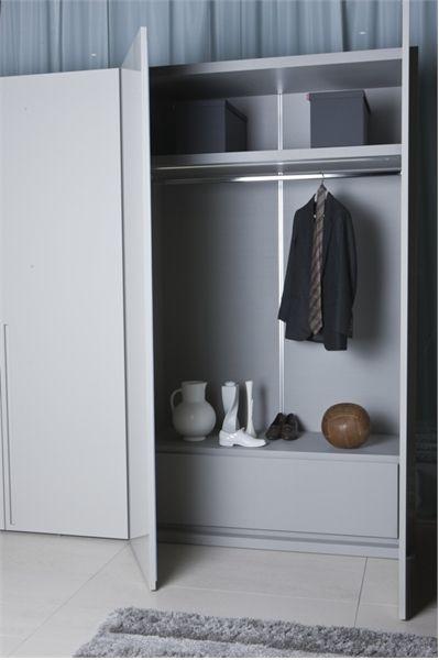 White Wardrobe For Minimalist Interior Design - Orizzonte And Tratto By Pianca