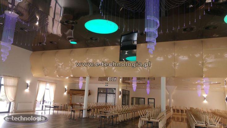 W projektach sal weselnych głównym pomieszczeniem, które bez wątpienia jest najważniejsze jest sala balowa. Projekt sali weselnej powinien więc mieć najlepsze dekoracje w swoim