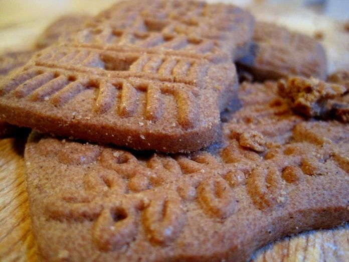 10 More Dutch Foods to Try, Part II - Awesome Amsterdam GOUDA AND WINDMILL COOKIES