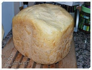 Altra ricetta per la macchina del pane! Ogni giorno pane diverso!      Ingredienti  Per una pagnotta da 750 gr.  350 g di acqua  12 g olio ...